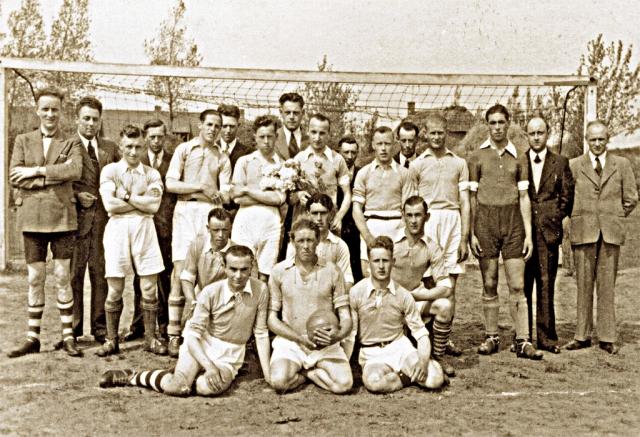 Kampioenselftal R.K.V.V. Hoeven 1947